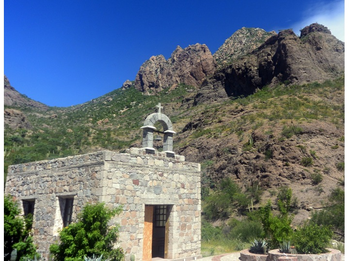 This small church is located about half way between Loreto and Mission San Javier.  Again the green mountainside from the rain can be seen.