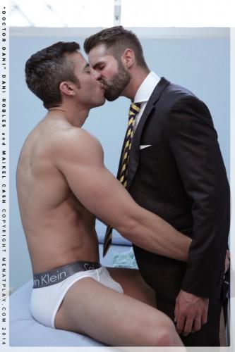 kissing-men