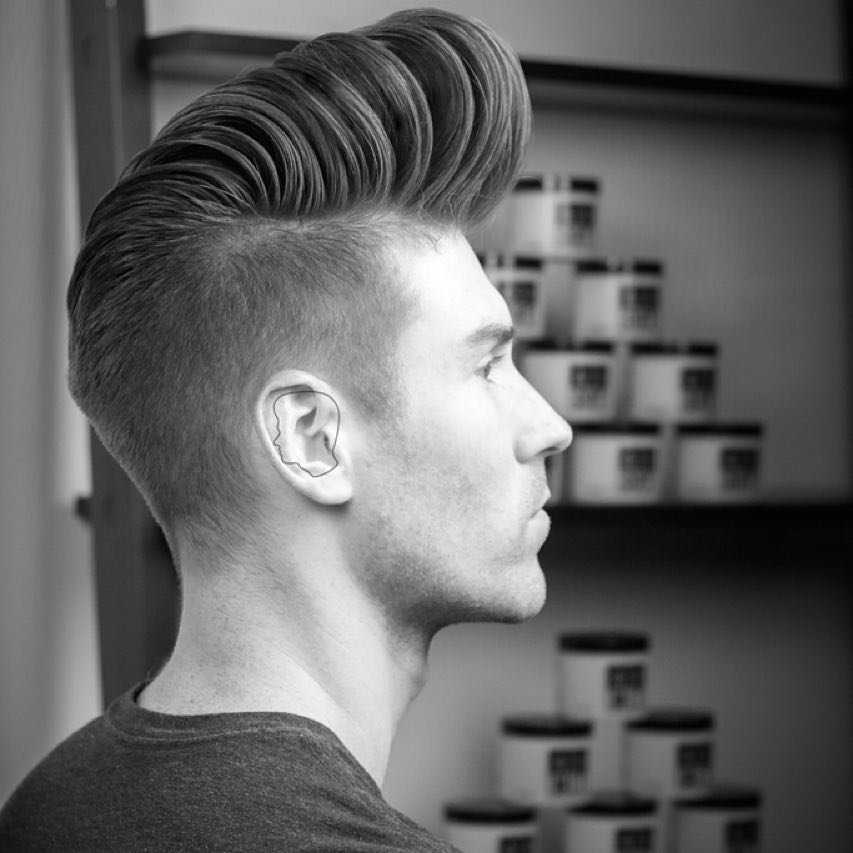 andrewdoeshair_high fade and huge pompadour
