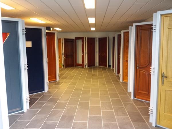 Showroom (11)