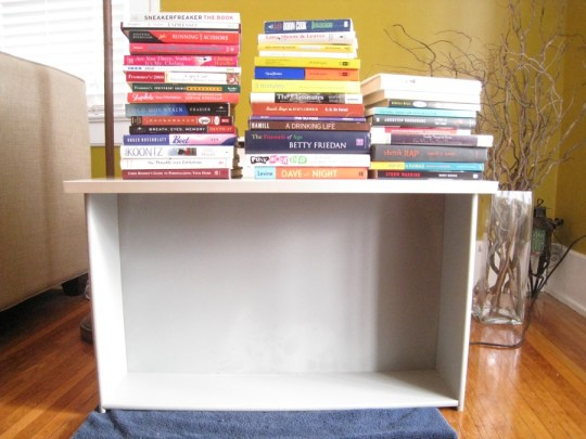 Books are perfect to stack on the shelf to ensure connectivity between the drawer material and the glue.