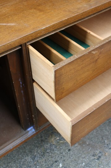 Nice drawers, a set of three.