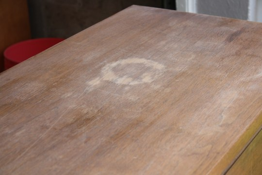 Starting the mid-century furniture re-finish with a fine sandpaper. Not strong enough.
