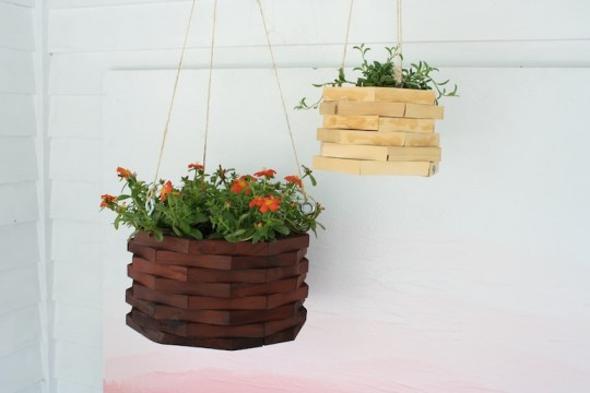 Set of new hanging planters.