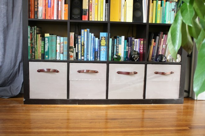 Diy ikea expedit wooden storage drawers merrypad for Fabric drawers ikea expedit