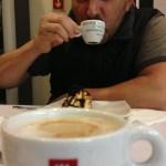 Normal man, little mug, or big man, normal mug?
