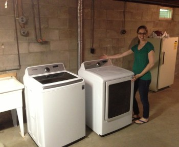 Voila, our new Samsung washer and dryer! Me lovey.