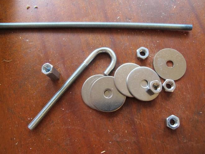 Materials to make a DIY bird feeder.