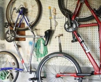 DIY_garage_storage_hanging-bikes