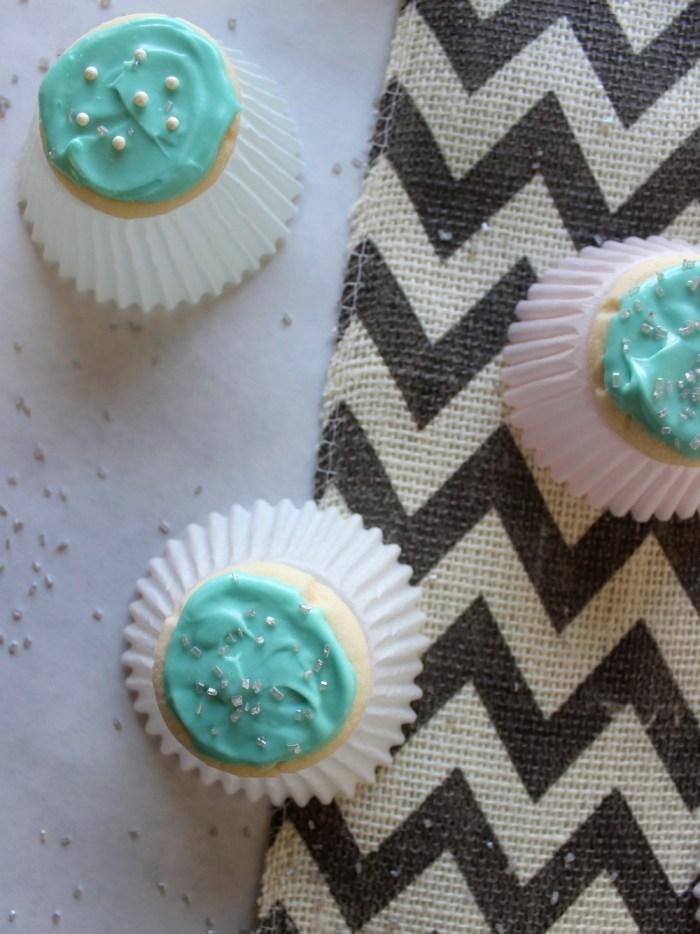 Snowflake Meltaway Cookies from Messes to Memories