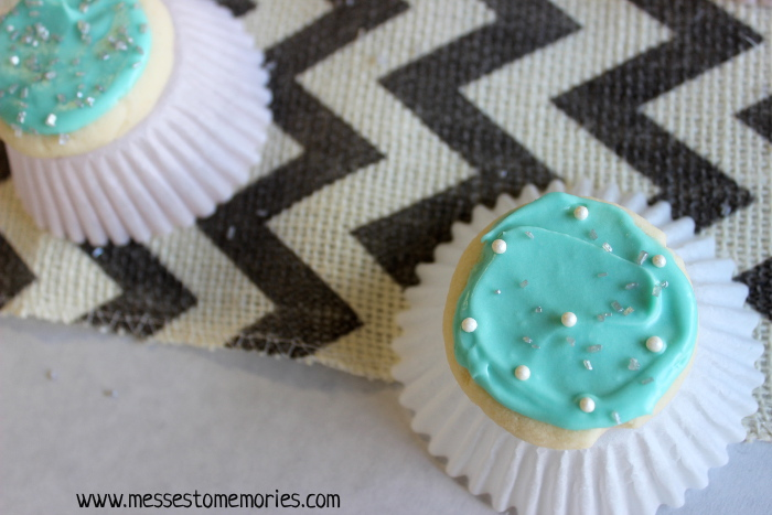 Snowflake Meltaway Sugar Cookies from Messes to Memories