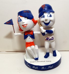 MetsPolice Mr and Mrs Met Bobblehead