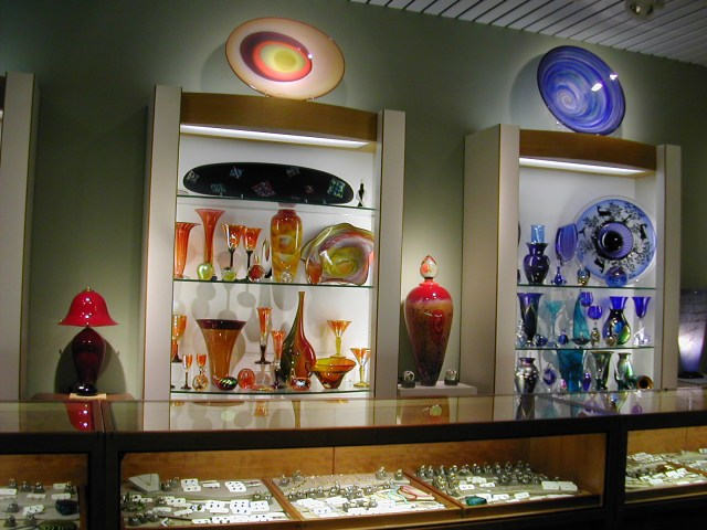 Commercial display for art glass