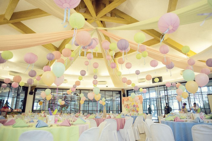 The Ceiling Decor Was Matched With All On Ground Props Where We Stuck To A Light And Pastel Color Theme