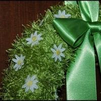 Vårkrans till ytterdörren