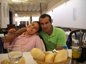 Juan con su hijo Juan Francisco.