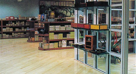 mikes-cigars-store-inside