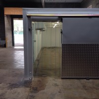Floorless chiller coldroom