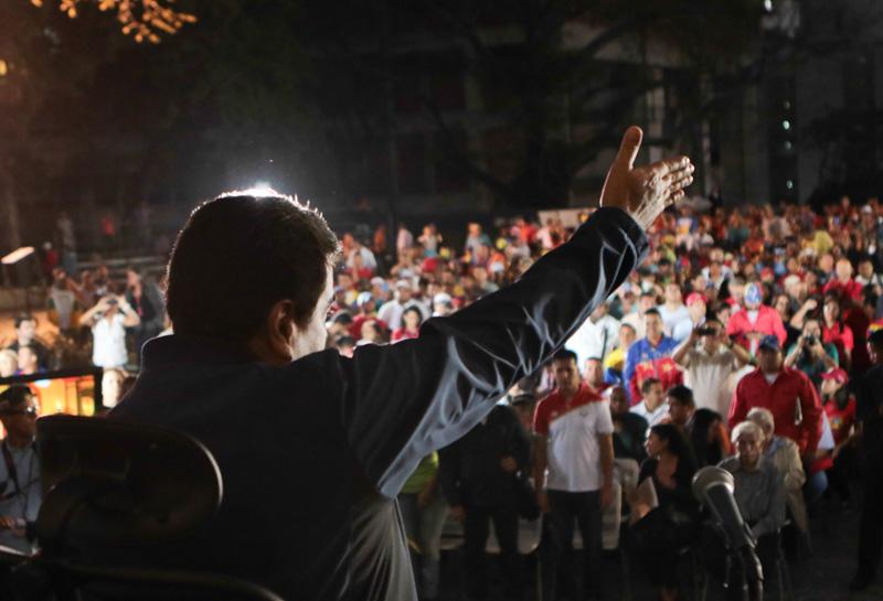 Maduro: Precio petrolero no llegará nuevamente a cien dólares
