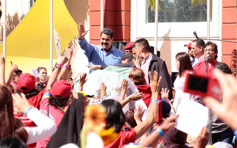 Maduro: La derecha quiere imponer un Estado de violencia contra la mujer