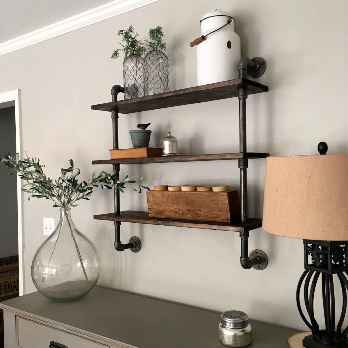 DIY: Pipe Shelving