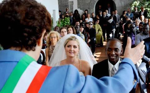 matrimonio_misto_napoli.jpg_370468210