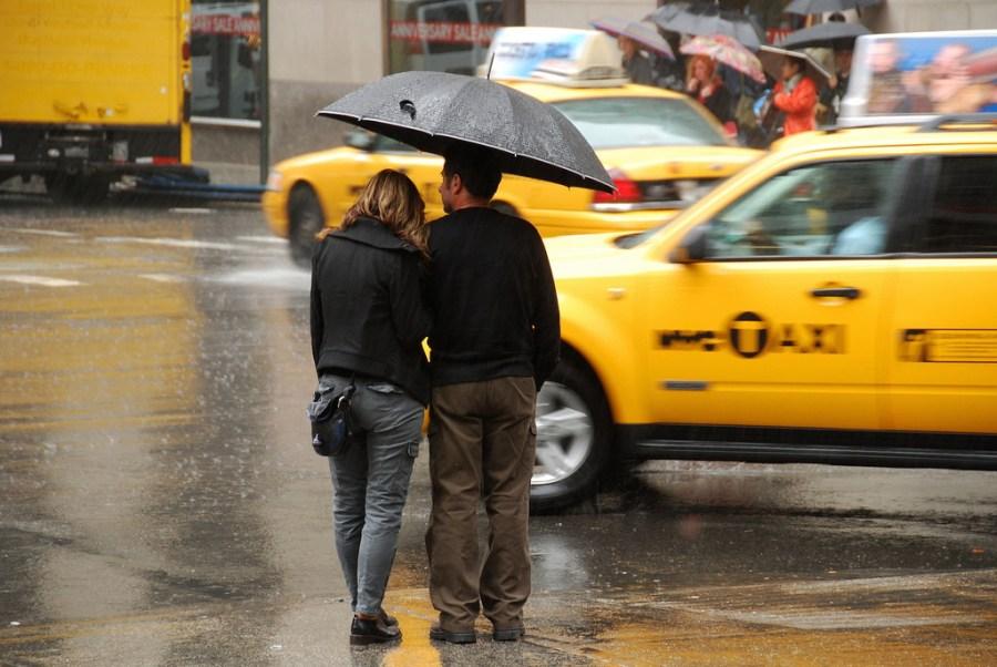 L'estudi fet a Nova York va establir una correlació directa entre possibilitat de pluja i precipitació efectiva. / faungg