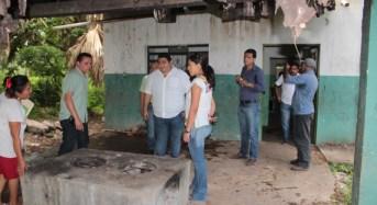 Alcalde de Ticul evalúa los comedores comunitarios y remodela el Palacio Municipal