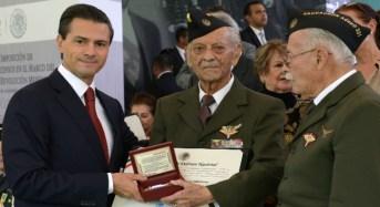 Entrega de Ascensos y Condecoraciones a las Fuerzas Armadas