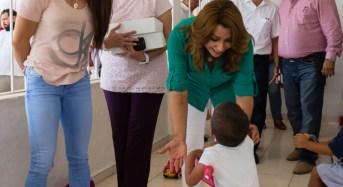 Bicampeona mundial de raquetbol visita a niñas y niños del Caimede