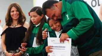 Estudiantes yucatecos, en camino a la Convivencia Cultural Nacional