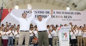 En el PRI, sellan alianza Ochoa Reza y Rolando Zapata rumbo al 2018
