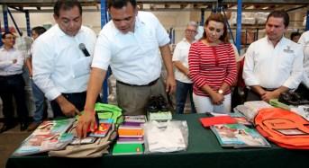 Paquetes escolares, gratuitos para estudiantes yucatecos
