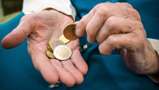 Simplificar acreditación de dependencia económica a ascendientes de trabajadores para recibir pensión