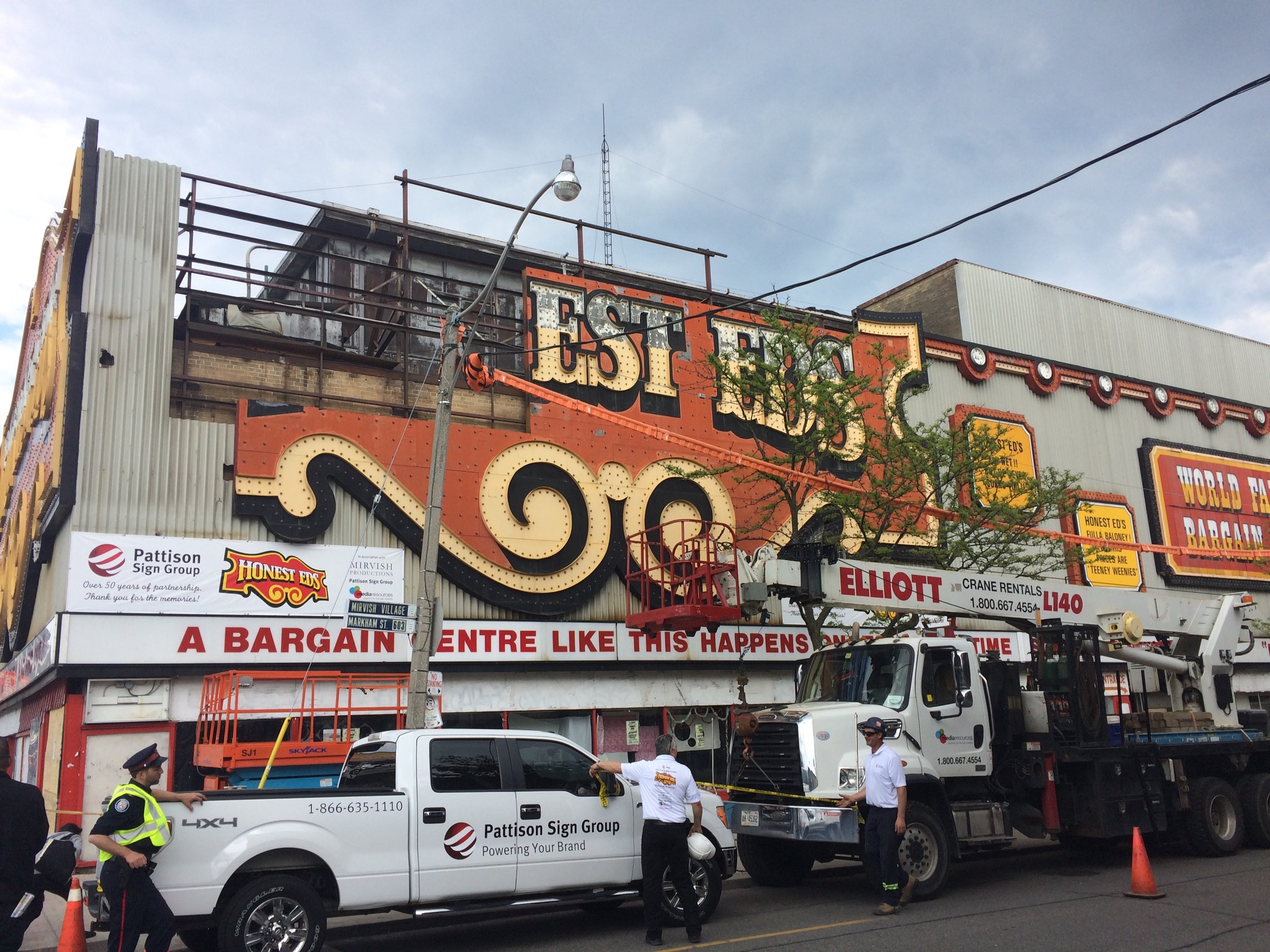 *And so it goes… the removal of the Honest Ed's sign ...