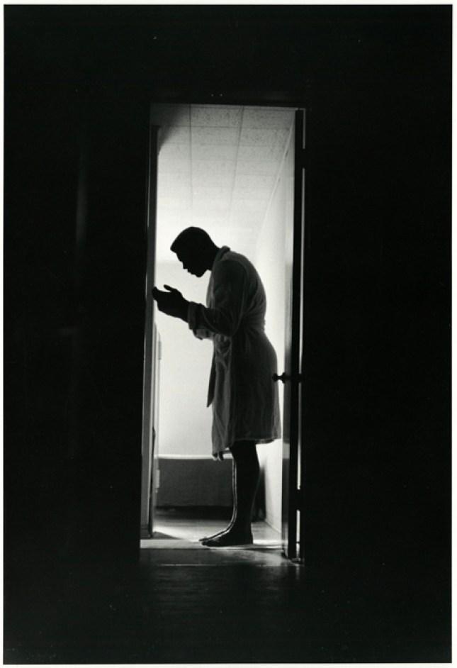 "Gordon Parks, ""Untitled"". London, England, 1966. Photo © The Gordon Parks Foundation, courtesy of Arthur Roger Gallery."