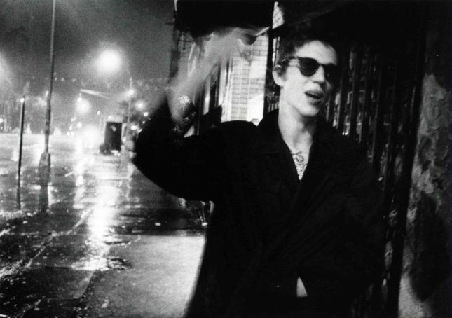 Photo: Richard Hell, Bowery, 1977. ©Godlis, courtesy of agnès b. galerie, New York.
