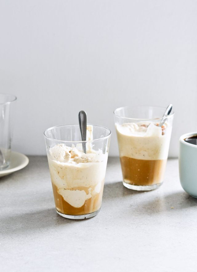 No-churn coffee ice cream affogato recipe and Gilmore Girls recap, season 1