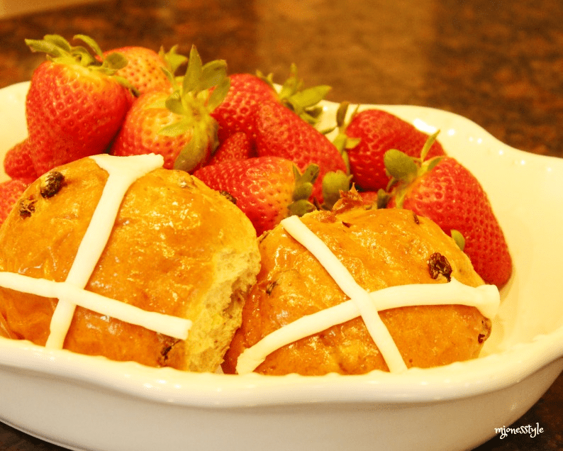 #crossbuns #bowlofstrawberries