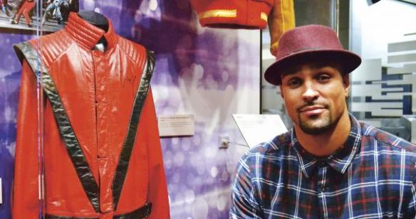 MICHAEL_JACKSONS_THRILLER_ASHLEY_BANJO_05