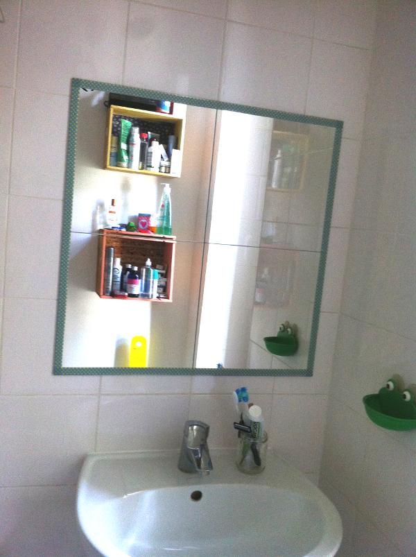 D corer un miroir mon astuce masking tape mlle pois - Miroir autocollant ikea ...