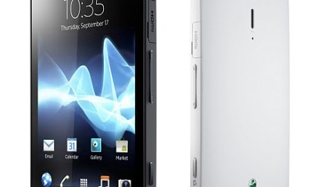 xperias_group01_black_white