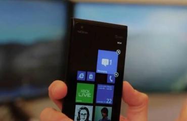 Windows Phone 7.8 Homescreen Lumia 900