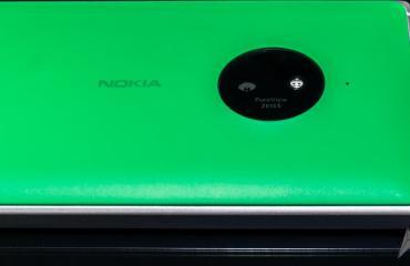lumia 830 cam green