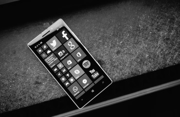 Windows Phone Header 2
