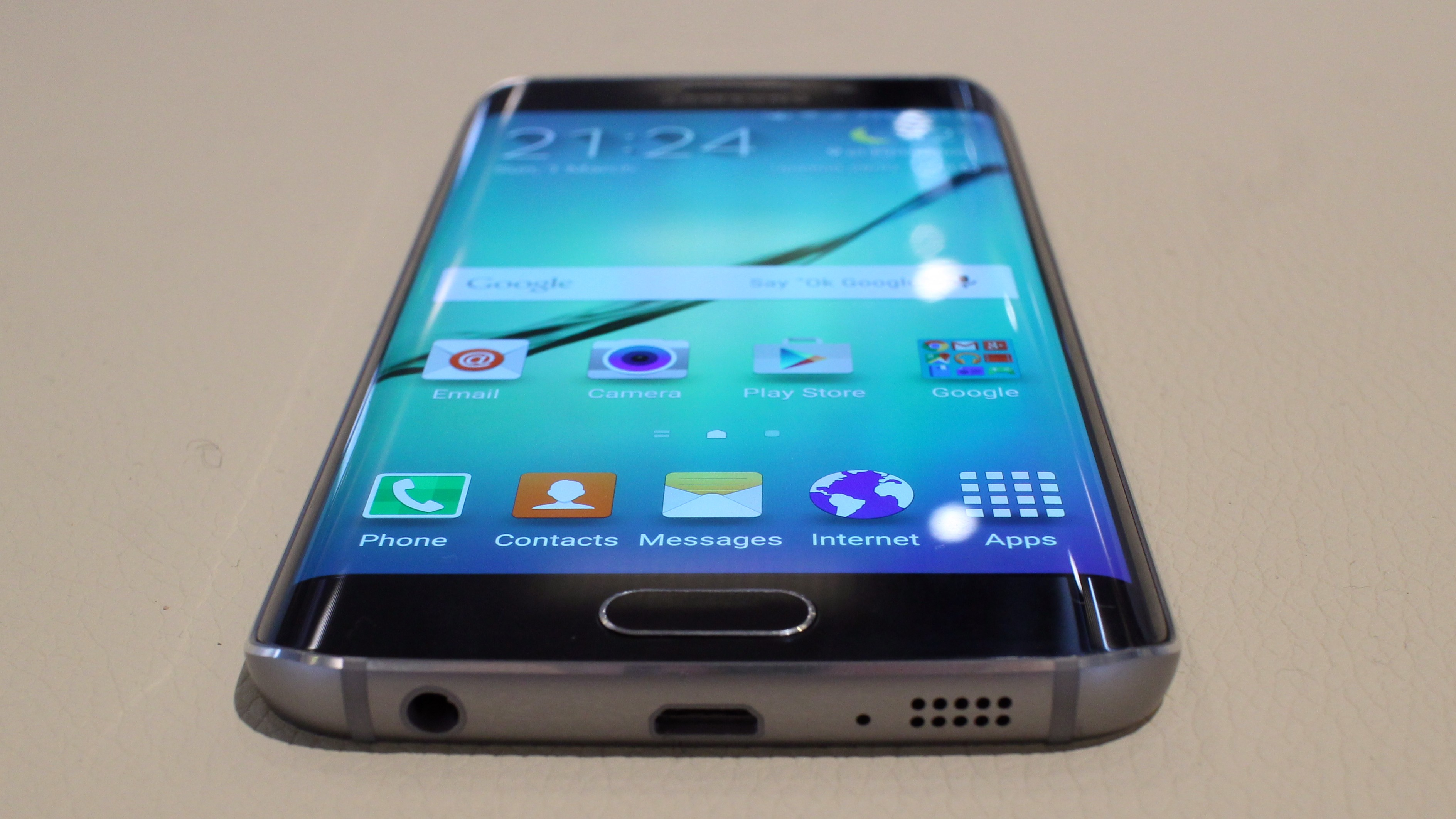 samsung galaxy s6 und s6 edge unser eindruck vom unpacked. Black Bedroom Furniture Sets. Home Design Ideas