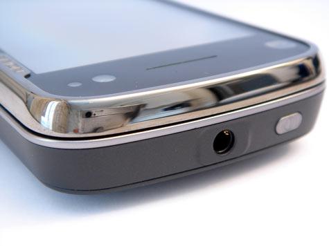 Nokia N97 3,5 mm:n kuulokeliitäntä