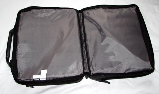 REVIEW - V7 Premium Toploader Laptop Case by Targus