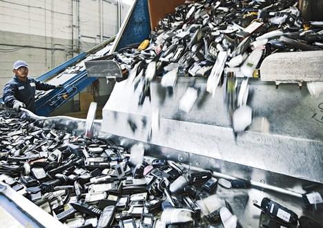 cellphone-waste