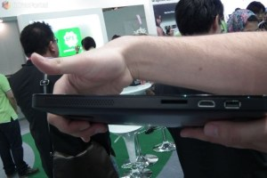 iphone-dock-tablet-03